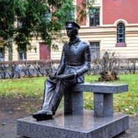 Памятник студенту :: Юрий Тихонов