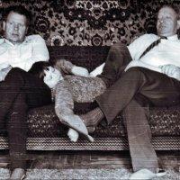Один внук Павлик и  два  дедушки  Васи. 1980 год :: Нина Корешкова