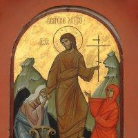 Икона на западном фасаде Воскресение Христово. :: Александр Качалин