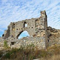 Мангуп-Кале пещерный город :: марина климeнoк