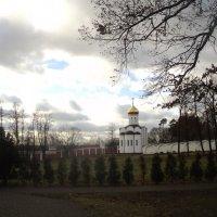 Территория Николо Угрешского мужского Монастыря в ноябре 2015 года :: Ольга Кривых