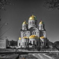 Храм осенью :: Сергей