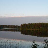 Восход на озере. :: Виктор ЖИГУЛИН.