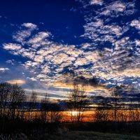 Всё как всегда, закат прекрасен. От неба глаз не оторвать... :: Анатолий Клепешнёв