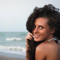 Девушка, море, солнце :: Pavel Mikhailov