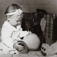Дашенька и глобус :: Olga Zhukova