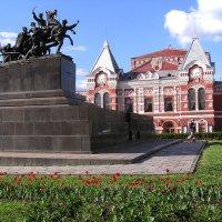 Памятник Чапаеву :: Александр Алексеев