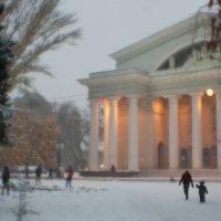 На театральной... :: Андрей Селиванов