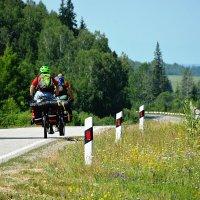 Тункинская Долина (велосипедисты в пути больше 2-х суток) :: Марина Юрочкина