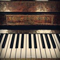 Старинное немецкое фортепиано :: Lady Etoile