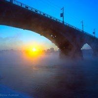 Закат под старым Ангарским мостом... :: Алексей Белик