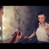 Если вы хотите узнать, что на самом деле думает женщина, смотрите на нее, но не слушайте. :: Максим Клипа