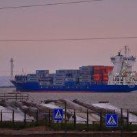 В нашу гавань заходили корабли... :: Анатолий Кушнер