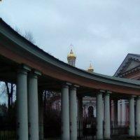 Колонада Крестовоздвиженского собора. :: Светлана Калмыкова
