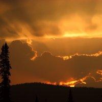 Расплавленный закат :: Сергей Чиняев