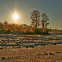 Река в золотом панцере..... :: Виктор Бондаренко