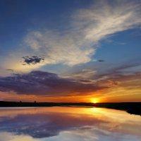 Закат над озером :: Виктор Четошников