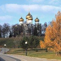 Осень в старом городе :: Николай Белавин
