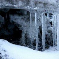 Ледяные пещеры :: Виктория Браун