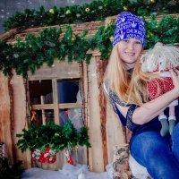 Не известно порадует ли в 2016 Обезьяна нас хорошей зарплатой. Лишь бы не пришла с гранатой... :: Наталья Александрова