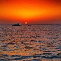Огненный закат в персидском заливе :: M Marikfoto