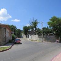 Улица в Керчи :: Вера Щукина