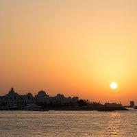 Закат в Абу-Даби :: Darina Pogodaeva