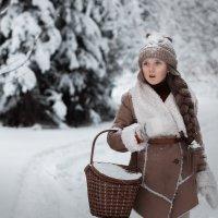 Девочка с корзинкой :: Сергей Винтовкин