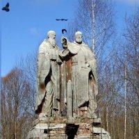Скульптура в Талицах :: Татьяна Белогубцева
