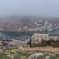 Туман над Балаклавской бухтой :: Игорь Кузьмин