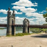 На пристани у старого моста :: Игорь Вишняков