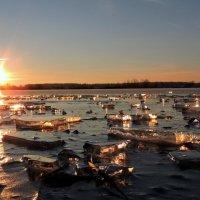Закат на реке. :: Hаталья Беклова