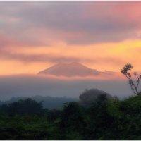 Рассвет в Покхаре(город в центральном Непале)!(Из архива,октябрь 2012г.). :: Александр Вивчарик