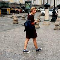 ... А я иду, шагаю по Москве.... :: Дмитрий Иншин