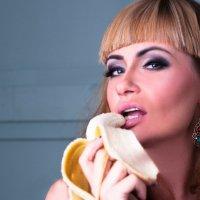банан :: Милана DV