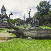 Лаос. Вьентьян. Парк Будды (1) :: Владимир Шибинский