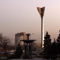 Закат в городе :: Дмитрий Максимовский