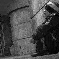 Мальчик, город, ночь... :: Евгения Ки