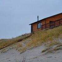 Дом на берегу, дом на дальнем крутом берегу... :: Maks :))