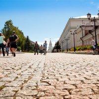 Дорога к Спасской башне :: Anatoliy Pavlov
