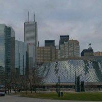 """Концертный Зал """"Roy Thomson Hall"""" в Торонто (на переднем плане) :: Юрий Поляков"""