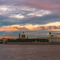 Прогулка по вечернему городу :: Владимир Демчишин