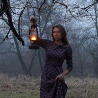 Девушка с лампой :: Artur Liepinsh