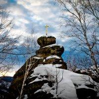 Церковка , небо хмуриться ! :: Сергей Феоктистов