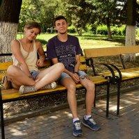 В сквере на скамеечке :: Владимир Болдырев