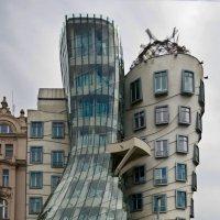 Танцующий дом (Прага) :: Олег Неугодников
