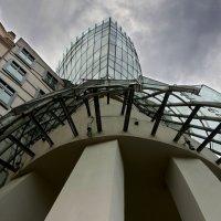 Танцующий дом (Прага) #4 :: Олег Неугодников