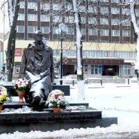 Памятник композитору Свиридову Г.В. :: Геннадий Храмцов