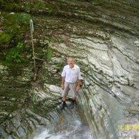 В одном из каскадов водопада Шапсуг :: Виктор Мухин