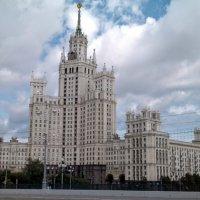 Дом на Котельнической набережной. :: Larisa Ereshchenko